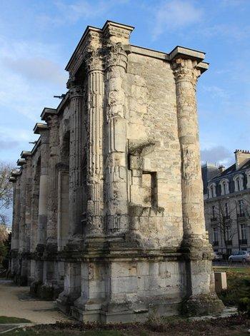 La porte Mars à Reims, IIIe siècle après J.C